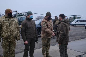 Zelensky et les ambassadeurs du G7 sont arrivés dans le Donbass