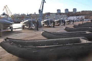 La Armada de Ucrania recibe lanchas de alta velocidad y botes inflables de EE.UU.