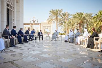 Una serie de documentos bilaterales firmados durante la visita de Zelensky a EAU