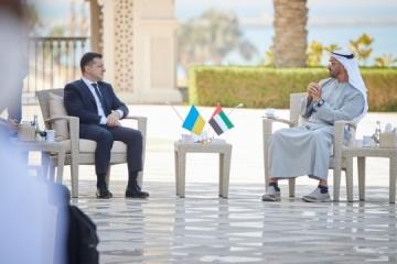 Zelensky y el Príncipe Heredero de Abu Dabi discuten el aumento del comercio