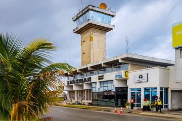 Turistas ucranianos varados en Zanzíbar por avería del avión