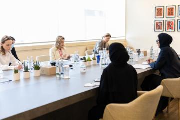 La primera dama de Ucrania y la ministra de los Emiratos Árabes Unidos debaten sobre la cooperación cultural