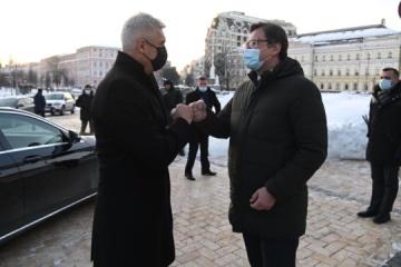 Ucrania y Eslovaquia planean introducir controles fronterizos conjuntos para frenar COVID-19