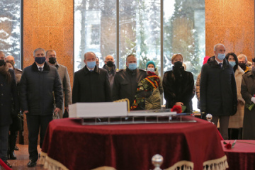 Ambassadors of Germany, France commemorate soldiers killed in Donbas