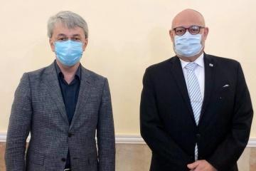 Cine, turismo y eventos culturales: Tkachenko trata la cooperación con el embajador israelí