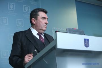 Danílov mantendrá conversaciones en formato de Triángulo de Lublin en Varsovia