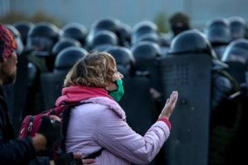 Los ministros Kuleba y Tkachenko condenan la persecución de periodistas en Belarús