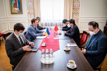 Yenin, Chinese ambassador discuss increase in bilateral trade