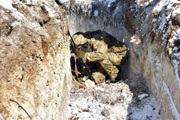Fuerzas respaldadas por Rusia hacen fuego de morteros de 82 mm y 120 mm