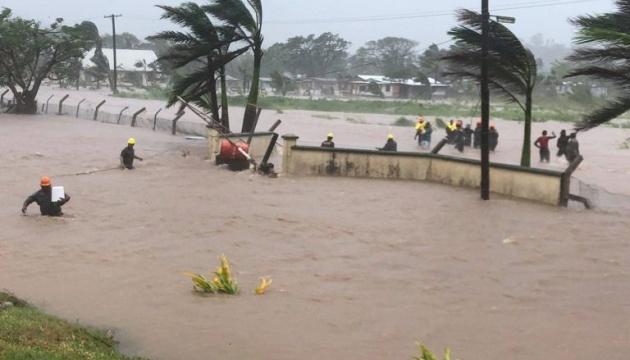 Циклон «Ана» бушует на Фиджи: есть погибший и пропавшие без вести