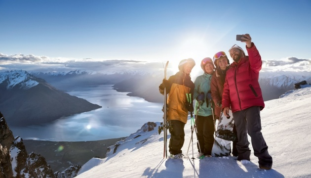 Нова Зеландія закликала туристів робити небанальні фото для соцмереж