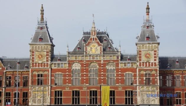 В Нидерландах будут штрафовать путешественников без теста или подтверждения вакцинации