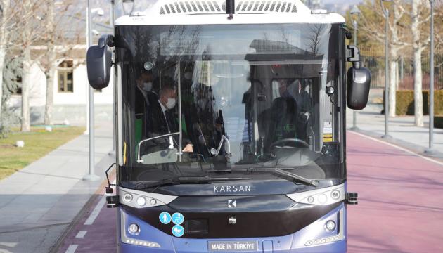 У Туреччині представили безпілотний електроавтобус власної розробки