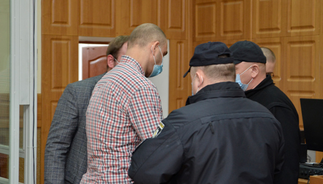 У Тернополі підозрюваного в обстрілі дітей взяли під варту в залі суду