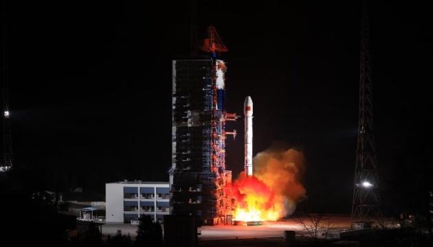 Китай запустив на орбіту експериментальний супутник
