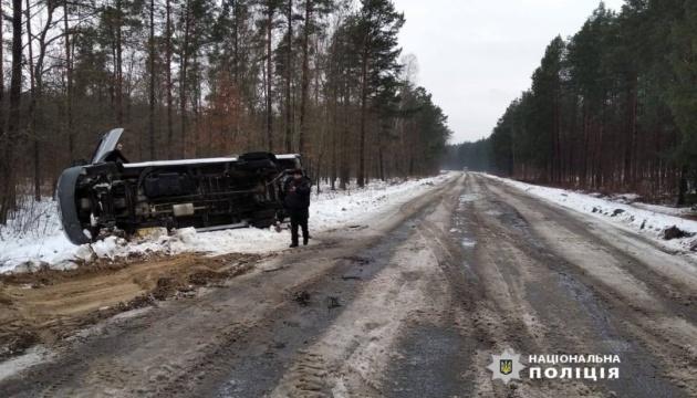 На Волині перекинувся автобус, постраждала 17-річна дівчина