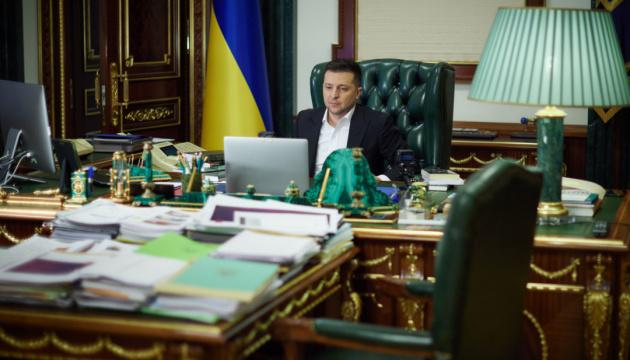 Зеленский и Данилов обсудили выполнение санкционных решений СНБО