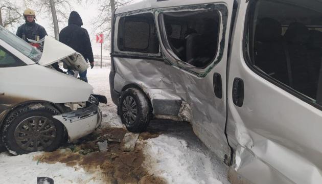 В Тернопольской области в ДТП пострадали семь взрослых и двое детей