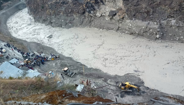 Сход ледника в Индии: количество жертв возросло до 50