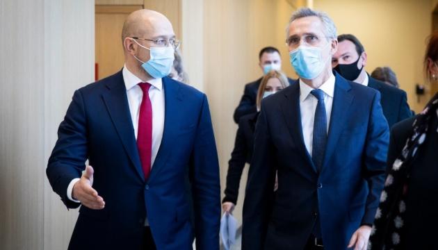 Столтенберг - Шмигалю: Двері НАТО відкриті для України