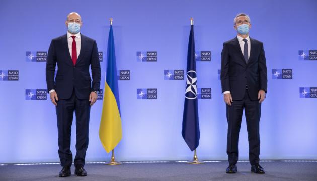 「私たちは露にウクライナ領からの軍撤収を呼びかけている」=NATO事務総長
