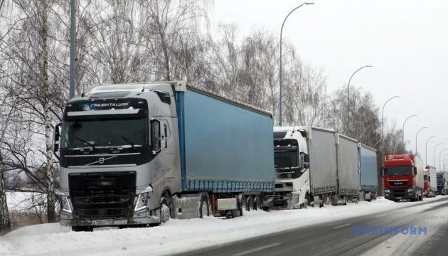 Львівщина відкрила рух для вантажівок