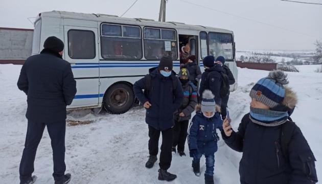 Через замети на Чернігівщині до шкіл не повезли понад 2000 учнів