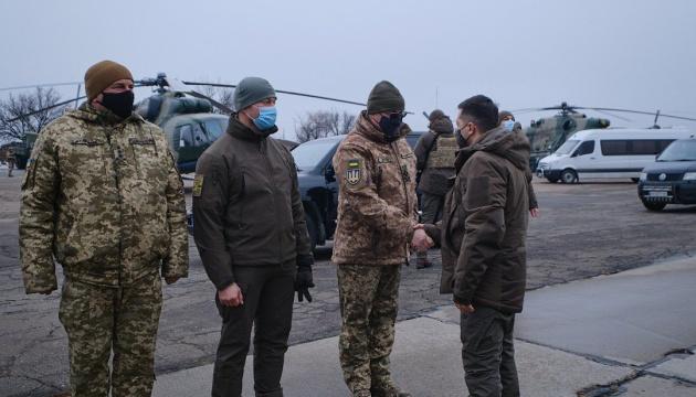 Зеленський разом із послами країн G7 приїхав на Донбас