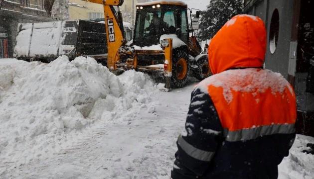 Садовий пропонує зробити п'ятницю у Львові вихідним, щоб прибрати сніг