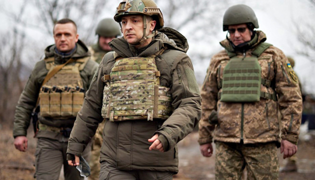 Бойцы ВСУ знают, как правильно отвечать на обстрелы снайперов - Зеленский