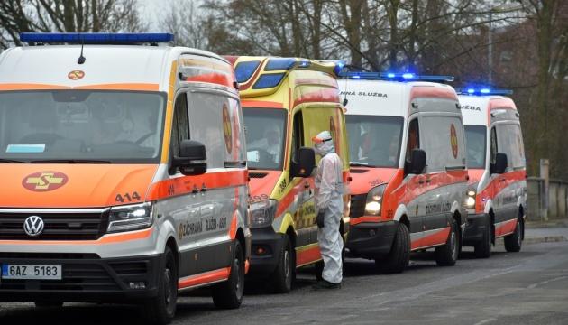 Закриття районів у Чехії контролюватимуть 30 тисяч поліціянтів та військові