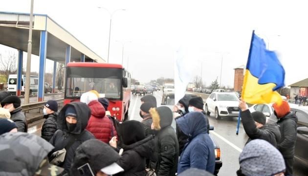 Моряки вдруге за пів місяця перекрили трасу Одеса – Київ