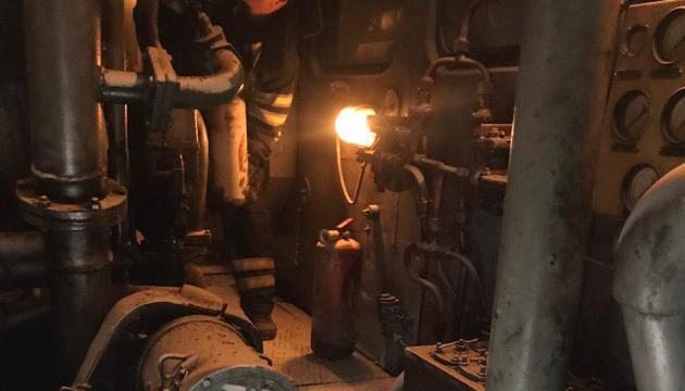 В Николаеве во время движения загорелся грузовой поезд