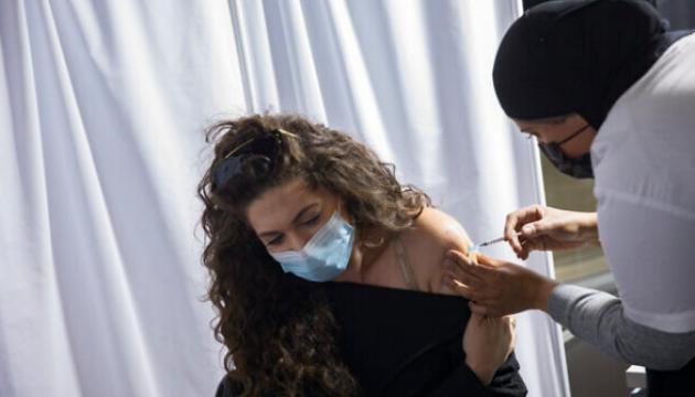 В Швеции тоже начнут вакцинировать от коронавируса несовершеннолетних