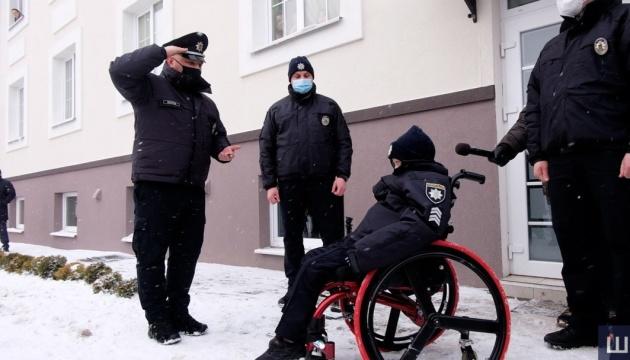 У Чернівцях поліцейські здійснили мрію хлопчика з невиліковною хворобою