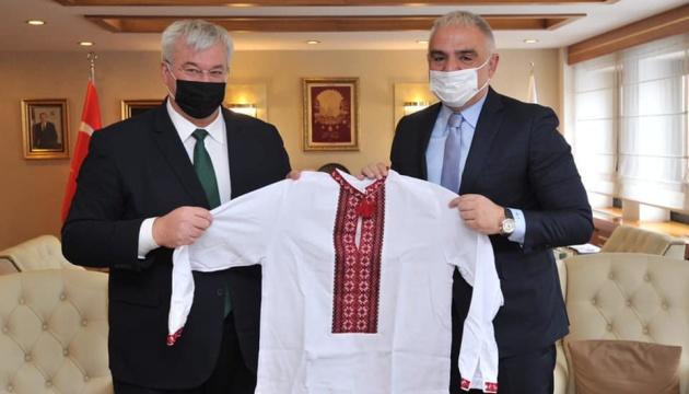Турция начнет туристический сезон в апреле и будет оздоравливать детей участников АТО/ООС