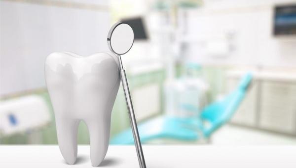 У Рівному «зникла» стоматолог, проти якої відкрили 5 справ за насильство над дітьми
