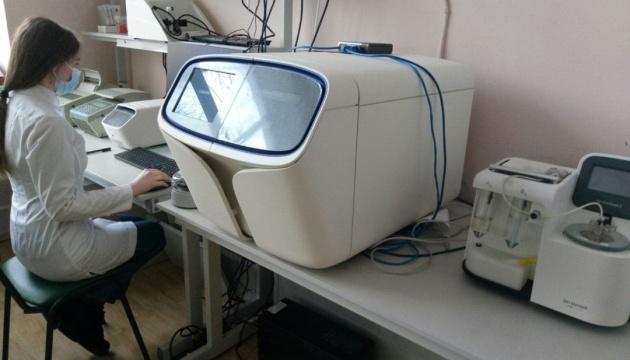 В Україні досі не почали вивчати мутації коронавірусу - Інститут молекулярної біології