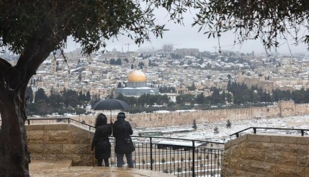 Єрусалим вперше за вісім років засипало снігом