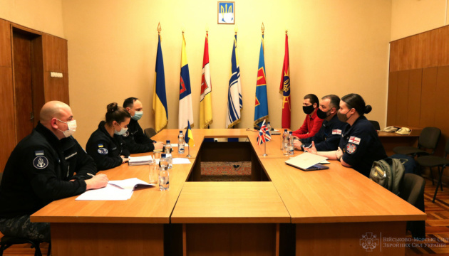 Місія ORBITAL пропонує українським морякам тренуватися на кораблях британських ВМС