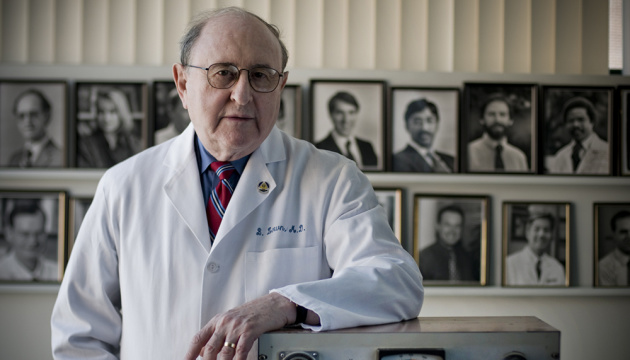 Умер лауреат Нобелевской премии, который изобрел дефибриллятор