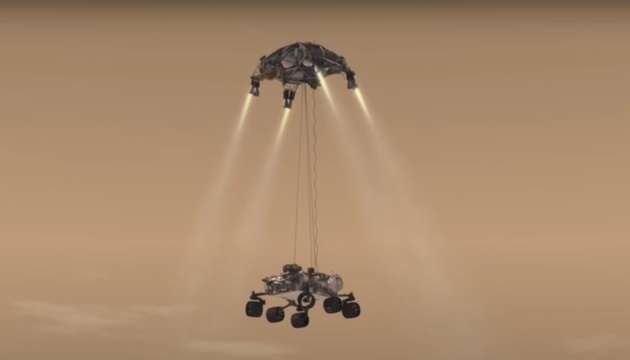 «Семь минут ужаса» позади: марсоход NASA сел на Красную планету