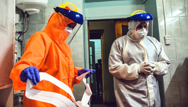 Covid-19 en Ukraine : 8 172 cas de contamination en 24 h