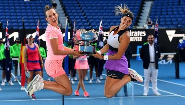 Соболенко и Мертенс выиграли Australian Open в парном разряде