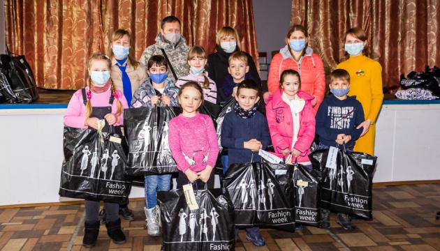 СУМівці передали гостинці дітям Дніпропетровщини