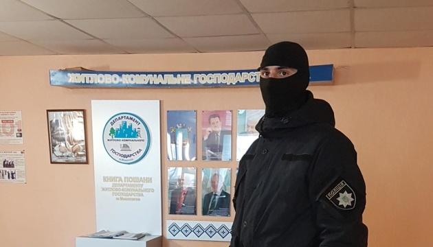 В офисе и дома: в Николаеве - массовые обыски у чиновников сферы ЖКХ