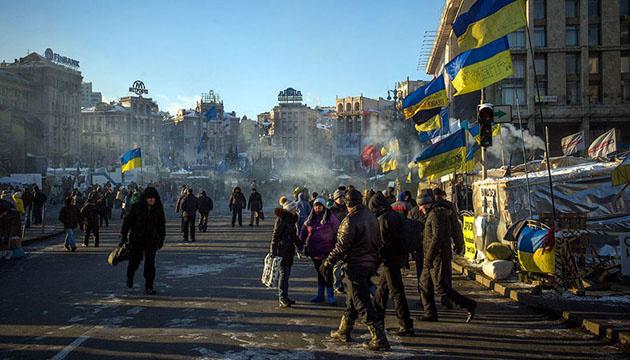 Янукович пошел на уступки и подписал соглашение, которое освистал Майдан