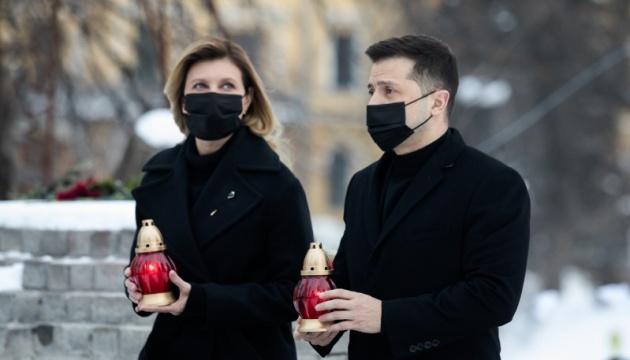 Зеленский: Мы не имеем права забыть имена погибших на Майдане и не узнать имена виновных