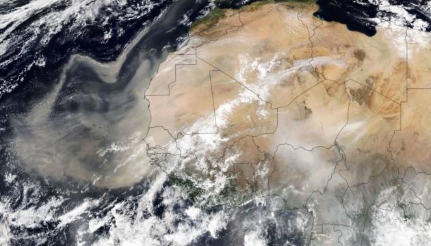 Європу накриє величезним пиловим шлейфом з Сахари