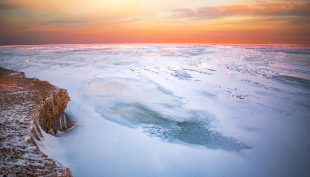 アゾフ海沿岸の美しい雪景色